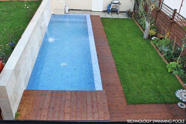 Pool in a narrow garden space london - Narrow pool designs ...