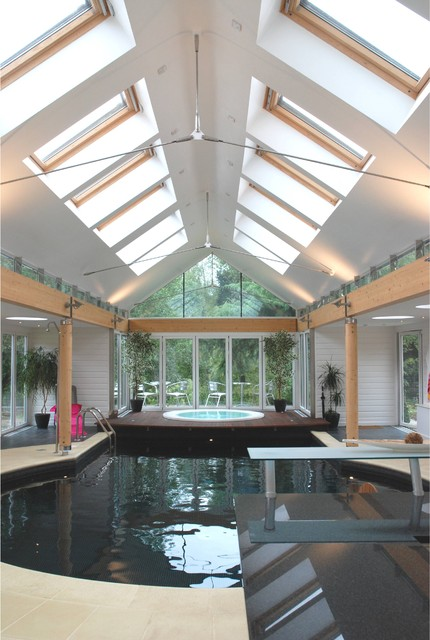Private pool and spa building contemporary swimming for How to build an indoor pool