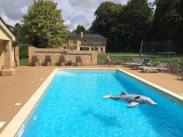 Resin Bound Swimming Pool Surrounds - Traditional - Swimming ...