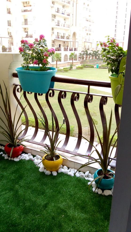 Balcony - modern balcony idea in Delhi