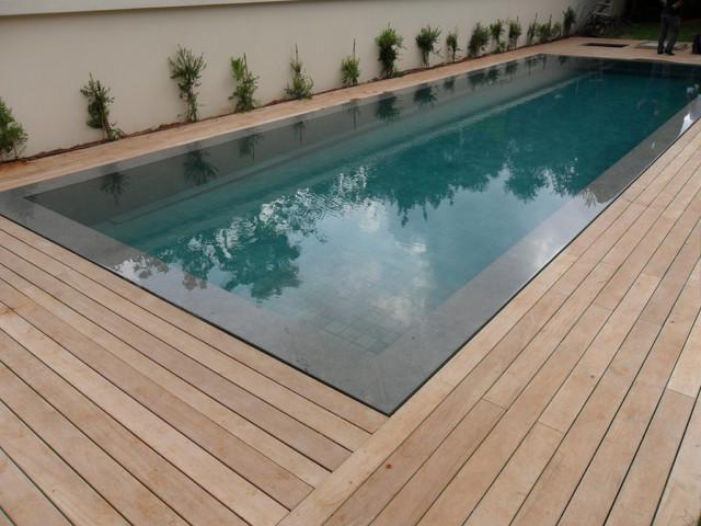 Burmese teak swimming pool deck with hidden fasteners for Swimmingpool bauhaus
