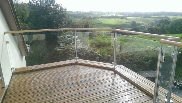 Stunning Glass Balustrade Incorporating Seasoned Oak