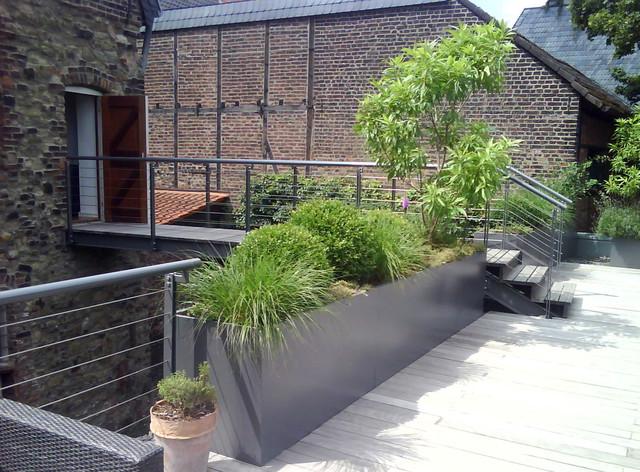 dachterrasse d sseldorf kaiserswerth shabby chic style deck dusseldorf by strauchwerk. Black Bedroom Furniture Sets. Home Design Ideas