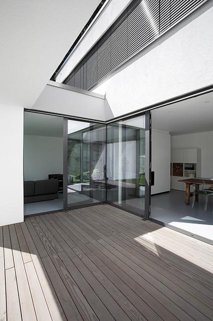 Einfamilienhaus architektur in dresden modern deck for Einfamilienhaus architektur modern