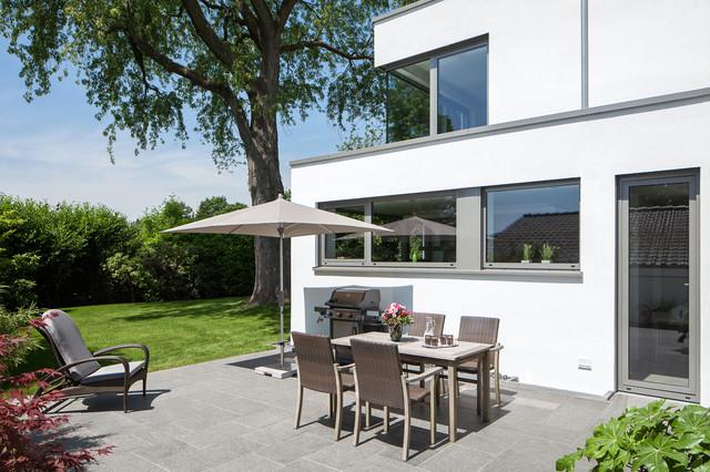 Einfamilienhaus in meerbusch modern terrasse essen von holle architekten - Architekt holle essen ...