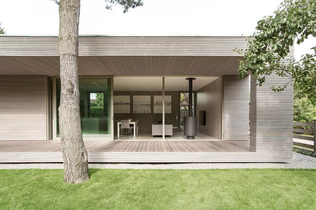 Holzhaus bungalow modern  Houzzbesuch: Die coole Stadtflucht ins Wandlitzer Holzhaus