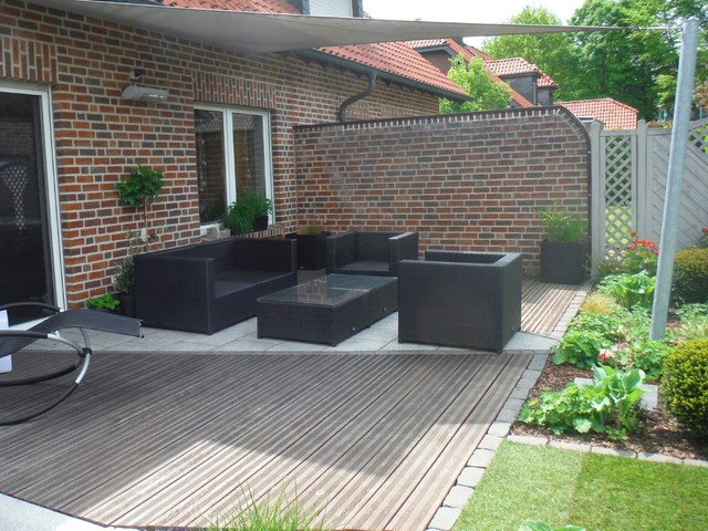 kleiner garten mit wassertisch modern terrasse hamburg von g rten von m hler. Black Bedroom Furniture Sets. Home Design Ideas