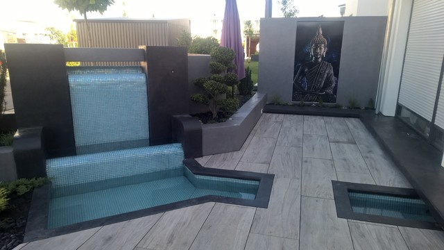 Attractive Modern Porch With Waterfall, Moderne Terrasse Mit Wasserfall  Contemporary Terrace
