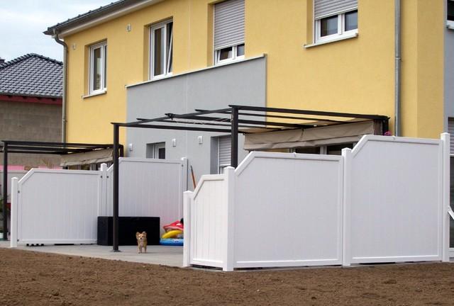 Sichtschutz aus kunststoff modern terrasse sonstige for Sichtschutz terrasse modern