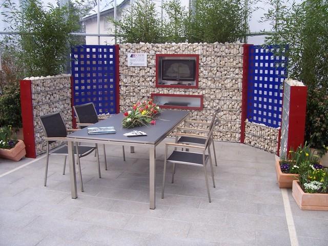 sitzplatz mit sichtschutz aus gabionen mit schmuckelementen klassisch terrasse k ln von. Black Bedroom Furniture Sets. Home Design Ideas