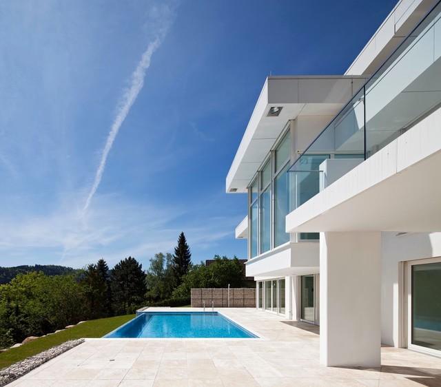 villa mit pool baden baden modern terrasse berlin von atelier altenkirch. Black Bedroom Furniture Sets. Home Design Ideas
