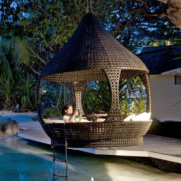 ambiance zen avec le salon de jardin suspendre alexander rose. Black Bedroom Furniture Sets. Home Design Ideas