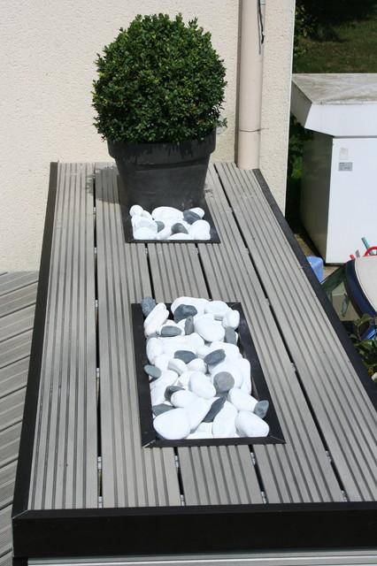 Am nagement d 39 une terrasse en bois composite gris modern deck - Amenagement d une terrasse ...