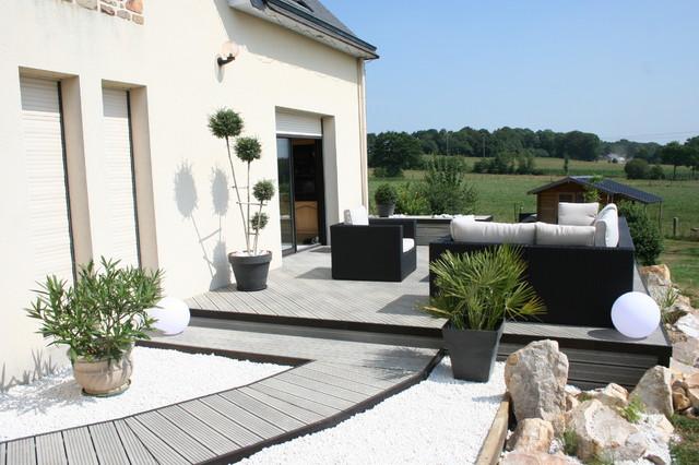 une terrasse en bois composite gris moderneterrasseenboisetbalcon