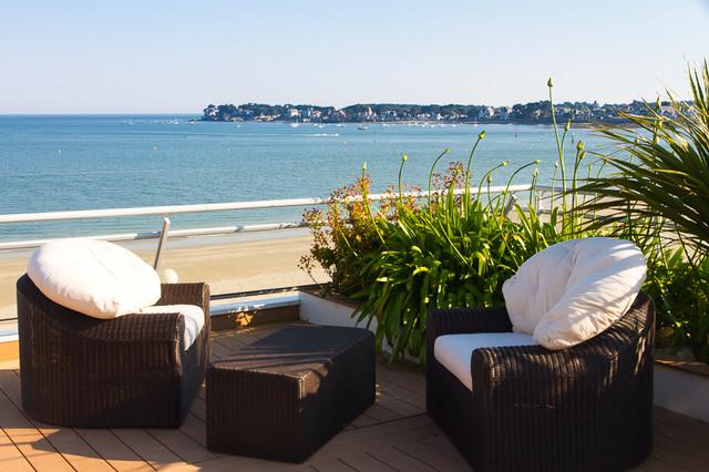 am nagement de ce toit terrasse bord de mer terrasse et patio nantes par concept design. Black Bedroom Furniture Sets. Home Design Ideas