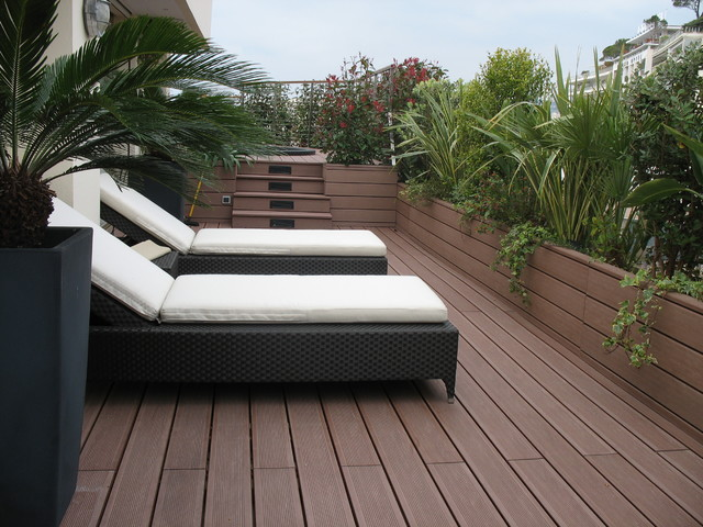 amenagement terrasse bois terrasse en bois nice par decobois. Black Bedroom Furniture Sets. Home Design Ideas