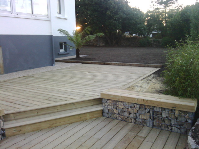 Avant apres am nagement d 39 une terrasse for Bordure de terrasse en galet