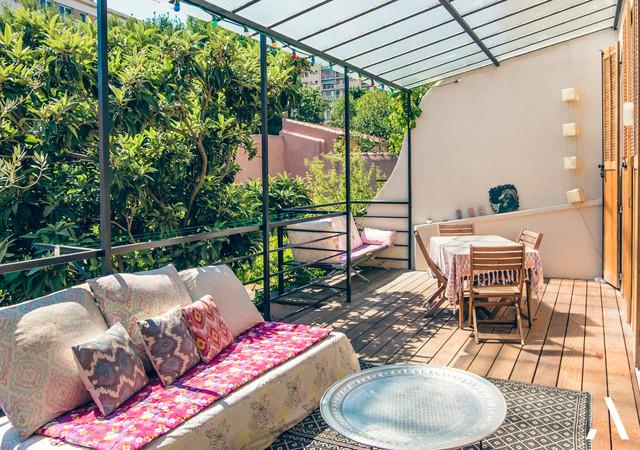 Evasion urbaine marseille terrasse en bois romantique for Style shabby romantique