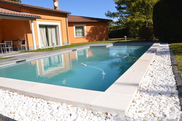 Fabrication dalles et margelles sur mesure contemporain for Fabrication piscine beton