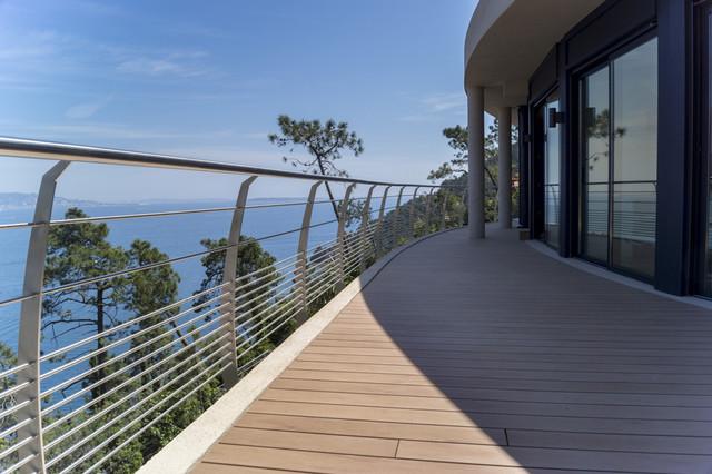 Garde corps inox design r gion canne bord de mer for Design balcon exterieur