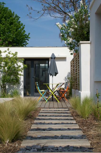 jardin 3 pieces beach style deck paris by atelier dlv architecte paysagiste. Black Bedroom Furniture Sets. Home Design Ideas