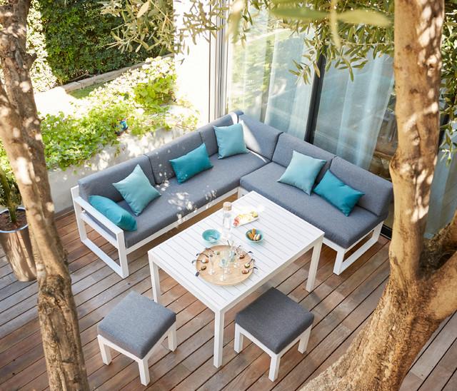 La terrasse devient un salon ciel ouvert modern deck lille by casto - Table jardin castorama ...