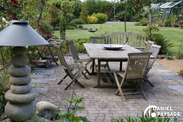 les terrasses shabby chic style patio altro di daniel paysage. Black Bedroom Furniture Sets. Home Design Ideas