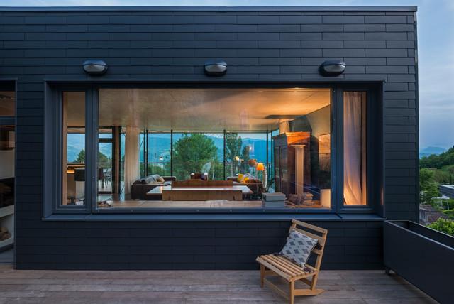 maison b scandinavian terrace grenoble by r2k architectes. Black Bedroom Furniture Sets. Home Design Ideas