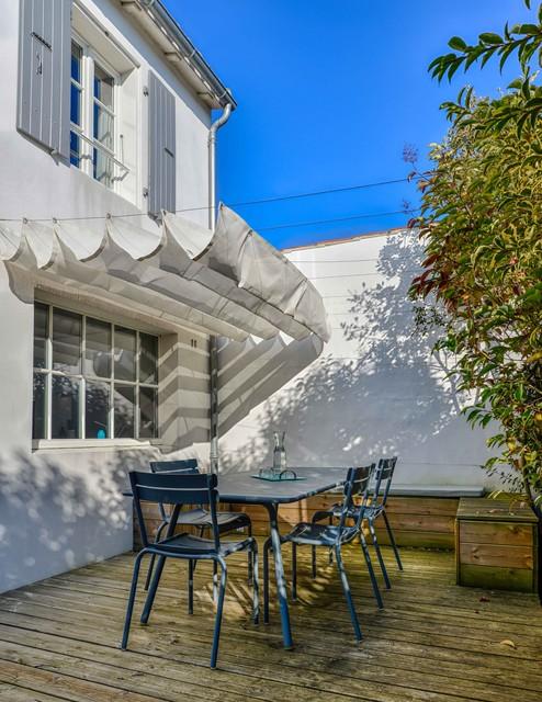 Maison De Vacances Bord De Mer Terrasse En Bois Paris Par Roberta Becherucci Cuisines