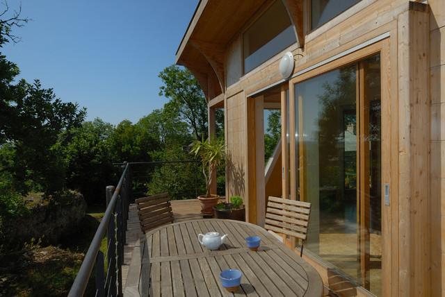 maison cologique de jos bov contemporain terrasse en bois toulouse par patrick. Black Bedroom Furniture Sets. Home Design Ideas