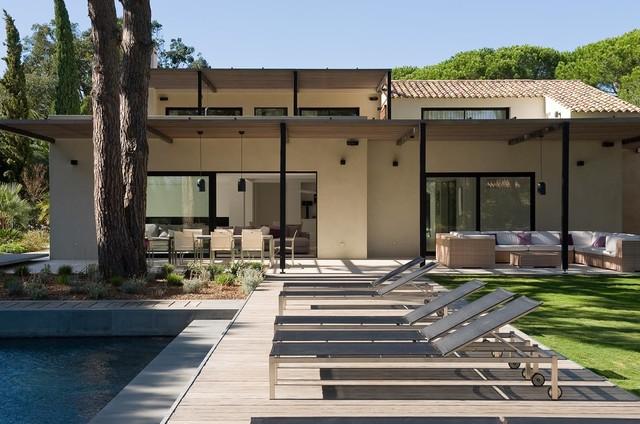 Maison individuelle saint tropez contemporain for Architecture moderne maison individuelle