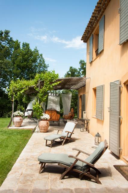 mas typiquement provencal mediterraneen terrasse et With exceptional voilage exterieur pour terrasse 11 deco maison provence