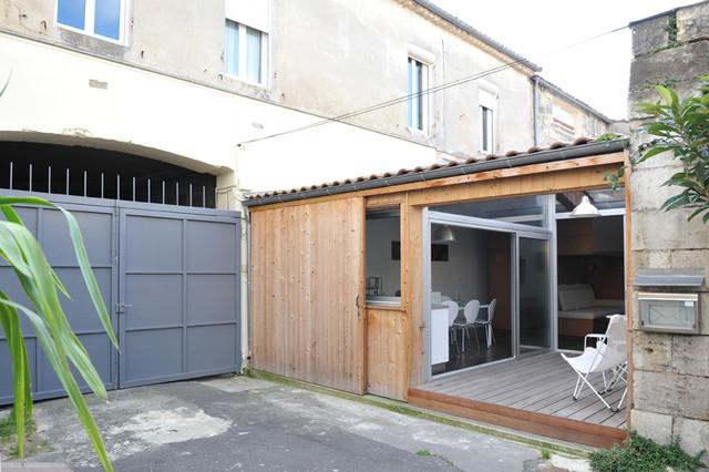 Passage Buhan modern-patio