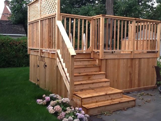 patio en bois de c dre et escalier. Black Bedroom Furniture Sets. Home Design Ideas