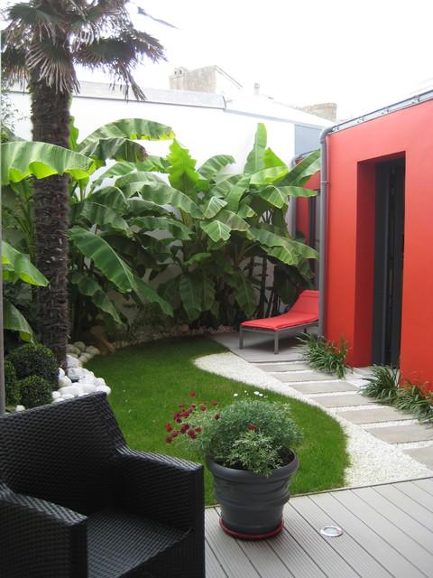 patio en ville exotique terrasse et patio other metro par littoral vert. Black Bedroom Furniture Sets. Home Design Ideas