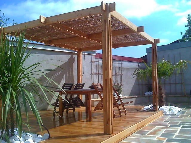 pergola en bambou et bois sandha contemporain terrasse en bois nantes par atlanti gaki. Black Bedroom Furniture Sets. Home Design Ideas