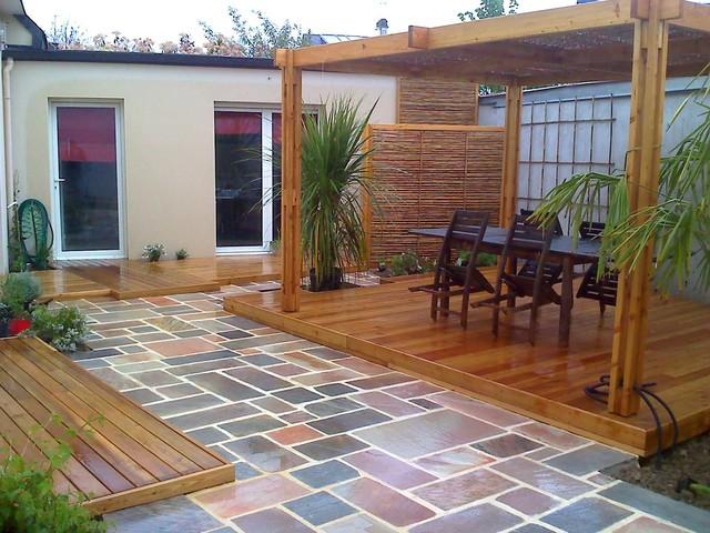Pergola en bambou et bois SANDHA - Exotique - Terrasse et Patio ...