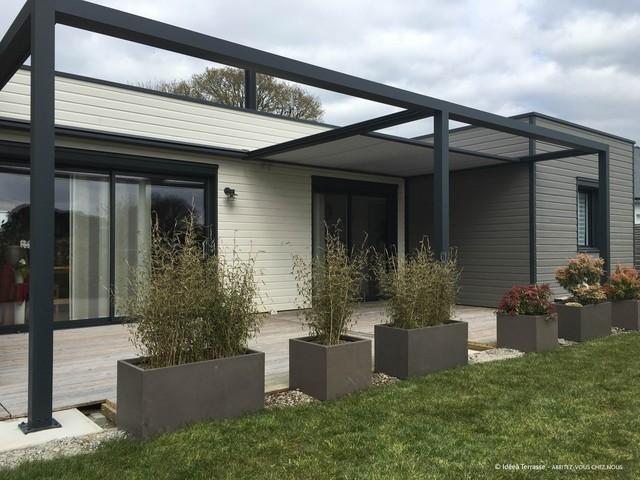 pergolas contemporain terrasse en bois et balcon other metro par abritez vous chez nous. Black Bedroom Furniture Sets. Home Design Ideas