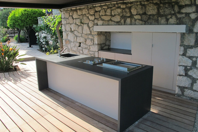Genial This Is An Example Of A Large Mediterranean Backyard Deck In Nice With An  Outdoor Kitchen