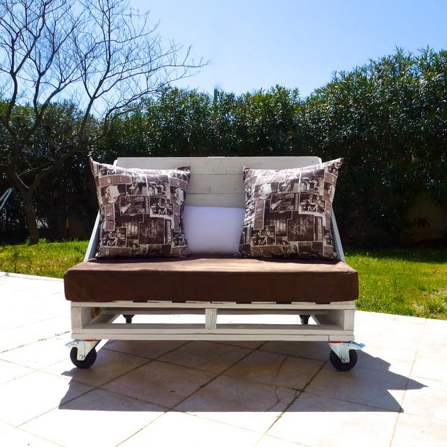 Petit canap 2 places en palettes r tro terrasse et patio montpellier - Petit fauteuil 2 places ...