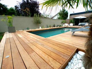 Plage de piscine en bois exotique cumaru for Piscine entourage bois