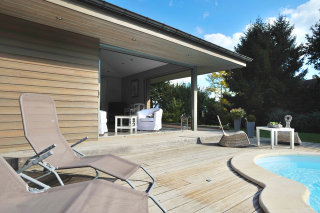 Projet fayet extension de pavillon beach style deck for Extension pavillon