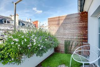 rambuteau contemporary terrace paris by meero. Black Bedroom Furniture Sets. Home Design Ideas