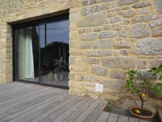r novation extension d 39 une long re contemporain terrasse en bois rennes par atelier742. Black Bedroom Furniture Sets. Home Design Ideas