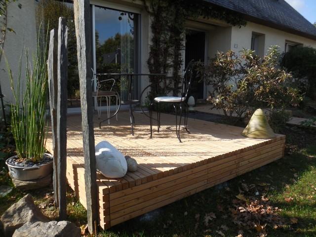 Retomb es autour d 39 une terrasse sur lev e freedeck for Construire deck piscine