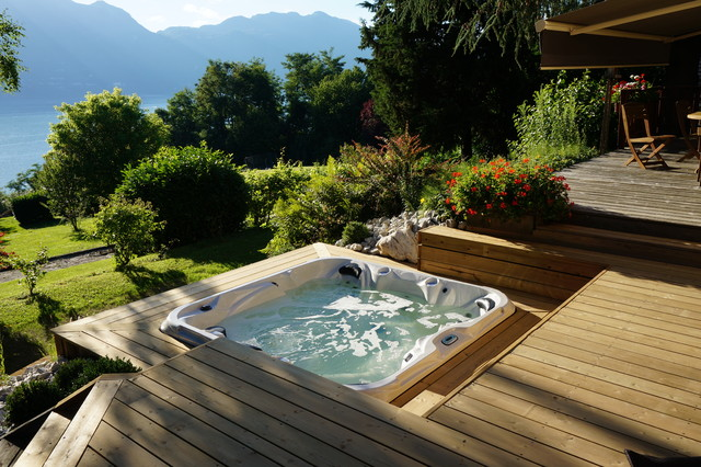 spa encastre montagne terrasse en bois grenoble par effervescence. Black Bedroom Furniture Sets. Home Design Ideas
