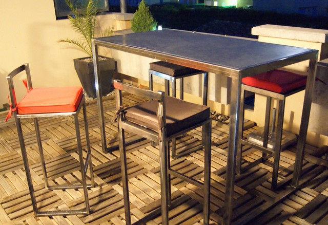 Table haute d 39 ext rieur en m tal moderne terrasse en for Table haute bois et metal