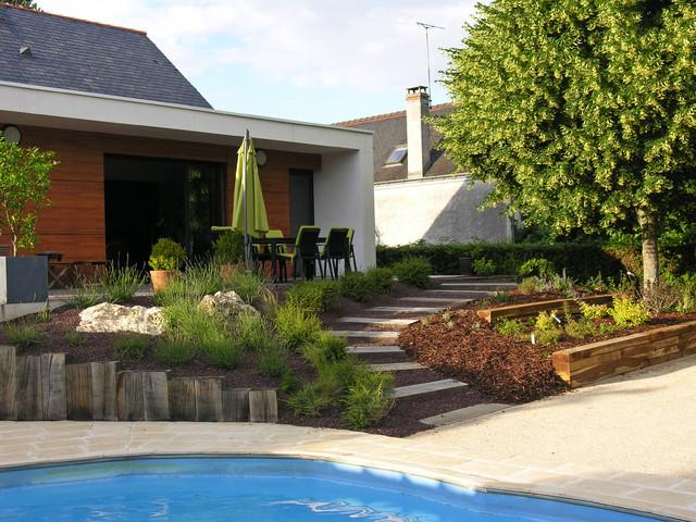 Talus reliant terrasse et piscine  Contemporain  Terrasse en Bois et