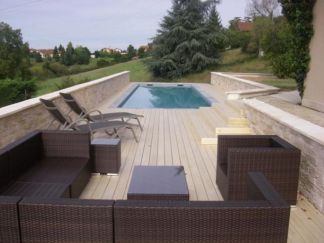 Terrasse bois en Accoya à Saint Galmier dans la Loire (42