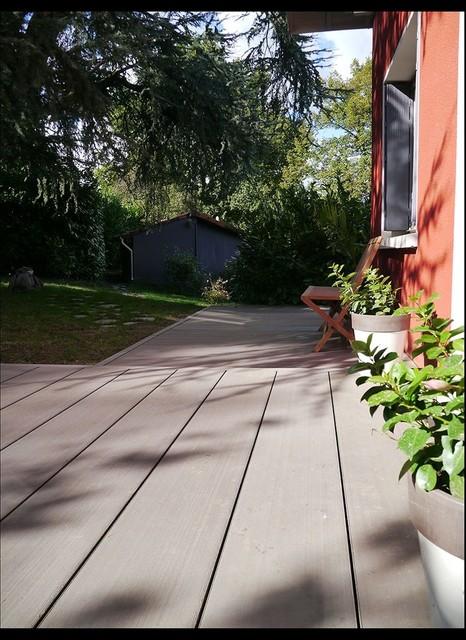 terrasse en bois composite design. Black Bedroom Furniture Sets. Home Design Ideas